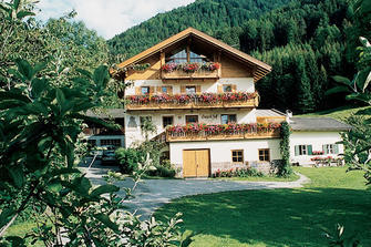 Bio-Hof Ganoihof  - Villnöss - Farm Holidays in South Tyrol  - Eisacktal