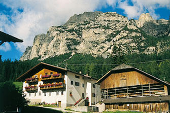 Casteller - Stern  - Abtei - Farm Holidays in South Tyrol  - Dolomiten