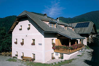 Neuwirt  - Rasen-Antholz - Farm Holidays in South Tyrol  - Dolomiten