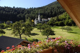 Hof am Schloss  - Prad am Stilfserjoch - Farm Holidays in South Tyrol  - Vinschgau