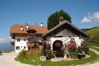 Oberredensberg  - Rasen-Antholz - Farm Holidays in South Tyrol  - Dolomiten
