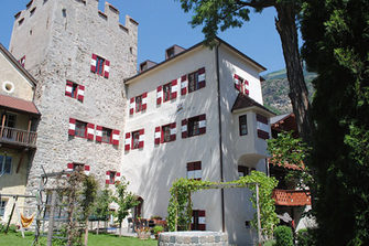 Burg Latsch  - Latsch - Farm Holidays in South Tyrol  - Vinschgau