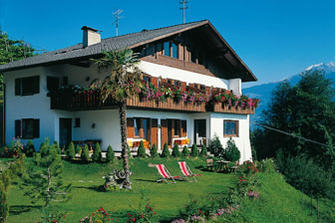 Göbeserhof  - Marling - Farm Holidays in South Tyrol  - Meran and surroundings