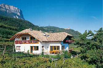 Gfillhof - St. Pauls  - Eppan a. d. Weinstraße - Farm Holidays in South Tyrol  - Bozen and surroundings