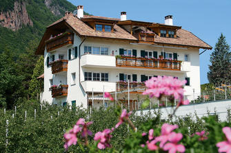 Rosengartenhof  - Andrian a. d. Weinstraße - Farm Holidays in South Tyrol  - Bozen and surroundings