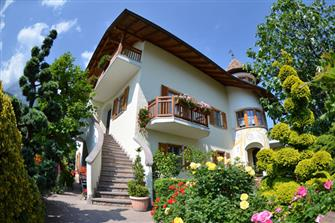 Haus Malesardi  - Andrian a. d. Weinstraße - Farm Holidays in South Tyrol  - Bozen and surroundings