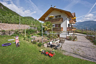 Ebner - Missian  - Eppan a. d. Weinstraße - Farm Holidays in South Tyrol  - Bozen and surroundings