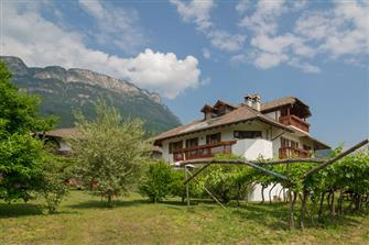 Lärchenhof  - Kaltern a. d. Weinstraße - Farm Holidays in South Tyrol  - Südtirols Süden