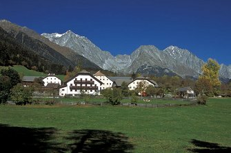 farm-reviews - Pfaffingerhof  - Rasen-Antholz - Farm Holidays in South Tyrol  - Dolomites