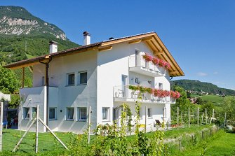 Sonnhof  - Tramin a. d. Weinstraße - Farm Holidays in South Tyrol  - Bozen and surroundings