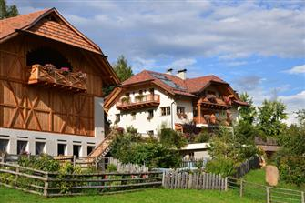 Schlosshof - Klobenstein  - Ritten - Farm Holidays in South Tyrol  - Bozen and surroundings