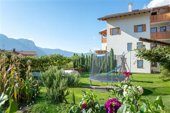 farm-reviews - Kellerhof  - Tramin a. d. Weinstraße - Farm Holidays in South Tyrol  - Bozen and surroundings