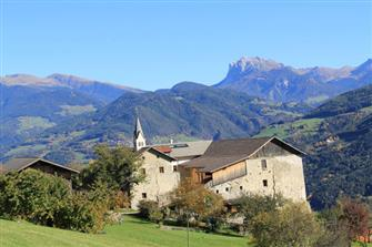Ansitz Schloss Gravetsch  - Villanders - Farm Holidays in South Tyrol  - Eisacktal