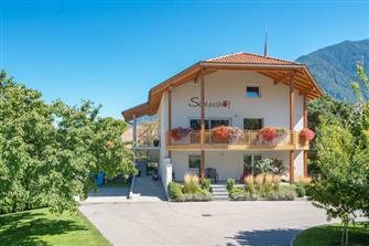 Schlosshof  - Latsch - Farm Holidays in South Tyrol  - Vinschgau